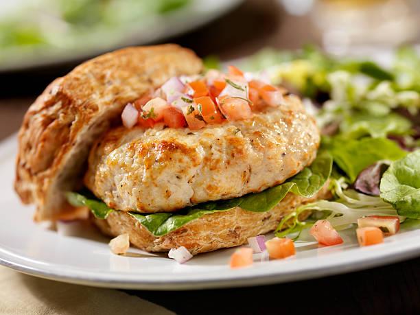 turkey burger with spinach and salsa - burger and chicken stok fotoğraflar ve resimler