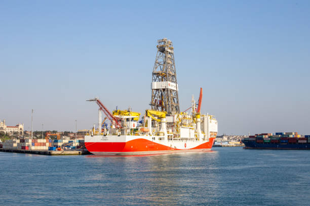 """Turkey's first domestic drilling ship """"Fatih"""" will participate in the drilling activities in the Black Sea after mast abbreviation in Haydarpasa Port, Uskudar, Istanbul. stock photo"""