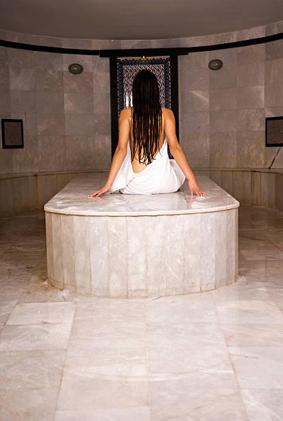 lady nude bath