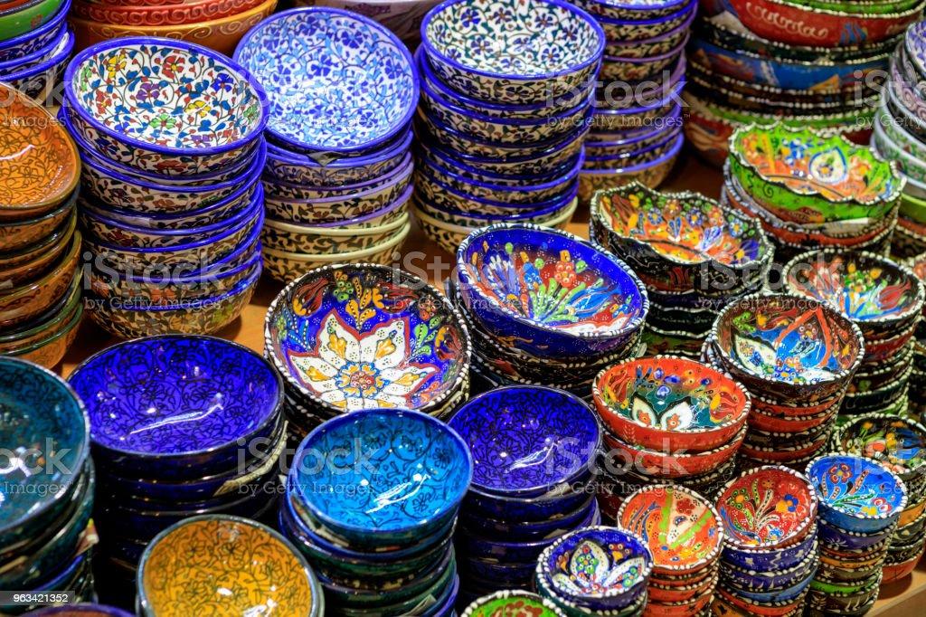 Turkish Ceramics in Grand Bazaar - Zbiór zdjęć royalty-free (Bez ludzi)