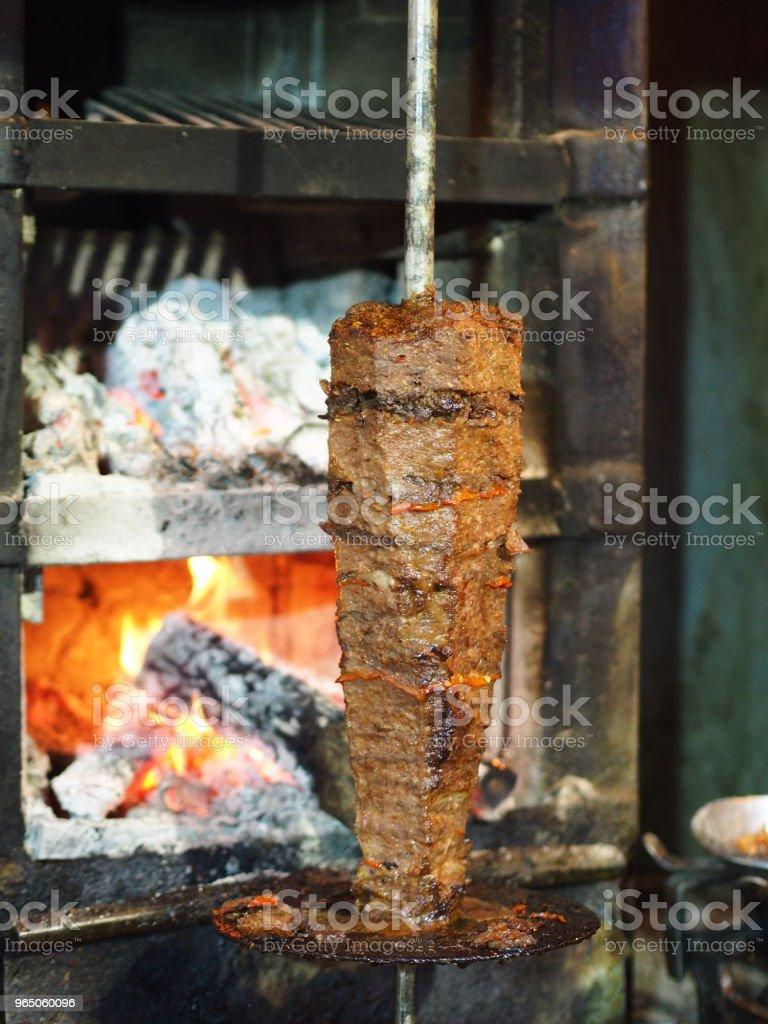 turkish chicken doner (ring) kebab cooked in wood fire zbiór zdjęć royalty-free