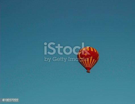 istock Turkish Flag on Baloon 613227222