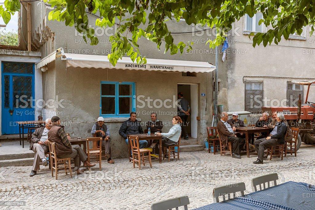 Turkish people in cafe,Alacati foto
