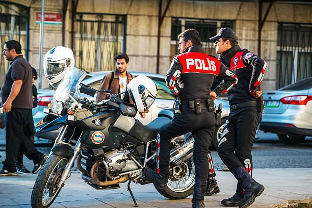 Türkische Polizisten für Motorräder auf Istanbul street – Foto