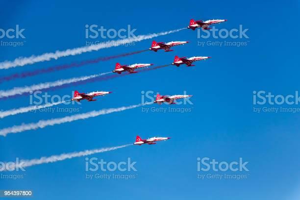 7 aerobatics plane in triangle formation