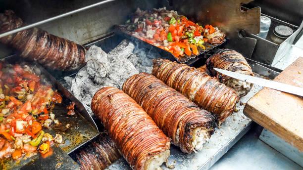 turkiska street food kokorec gjort med fåren tarm. - kokoreç bildbanksfoton och bilder