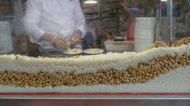Türkisch traditionelle Street Food Reis-Pilaf und Hühnchen in istanbul Truthahn – Foto