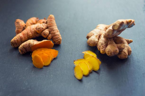 turmeric and ginger - imbir zdjęcia i obrazy z banku zdjęć
