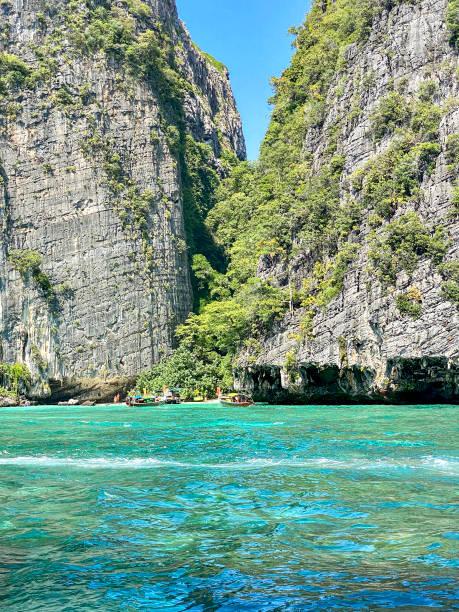 泰國甲米皮皮島綠松石美麗的水。圖像檔