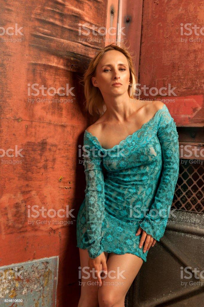 Vestido Azul Turquesa Foto De Stock Y Más Banco De Imágenes
