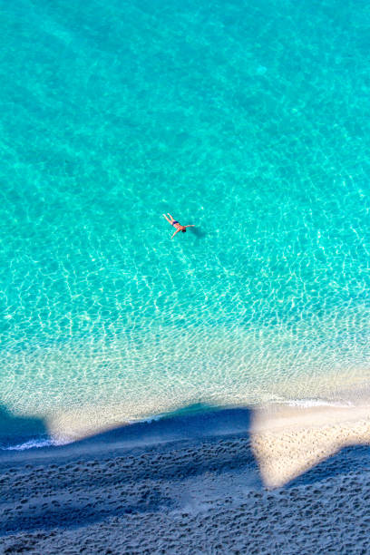turquoise water at tropea, calabria, italy - foto di tropea foto e immagini stock