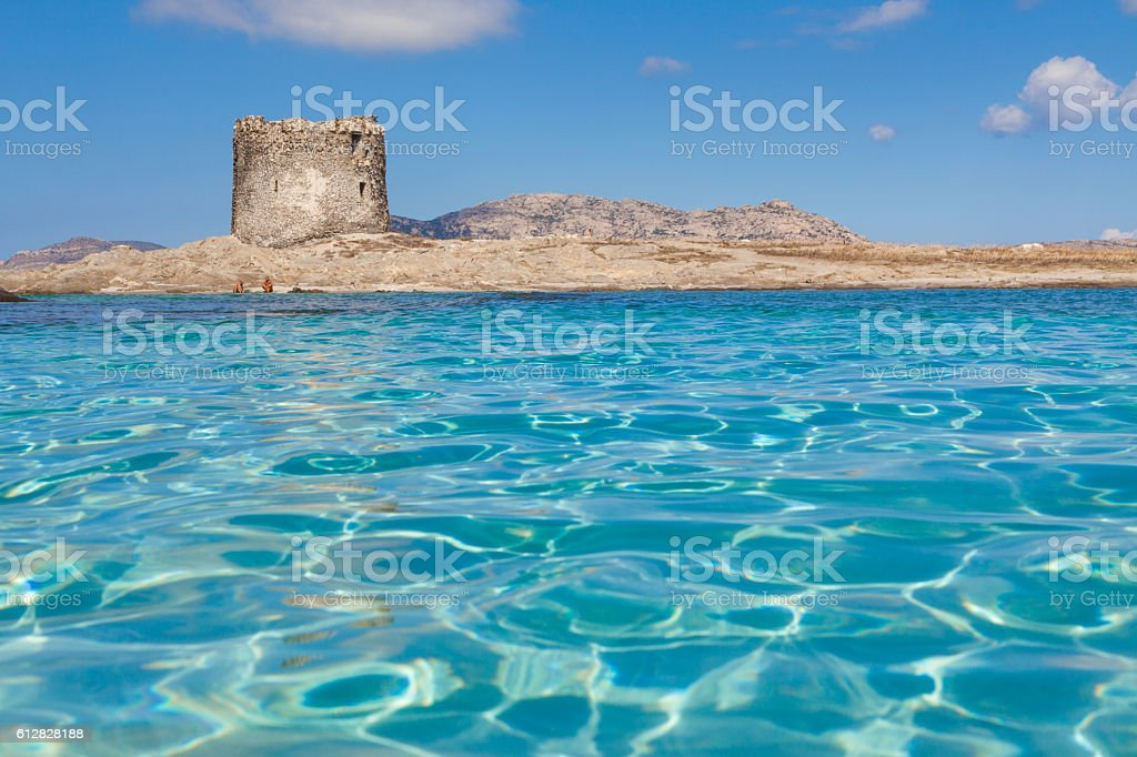 Turquoise waters at Stintino La Pelosa beach in Sardinia - foto de stock