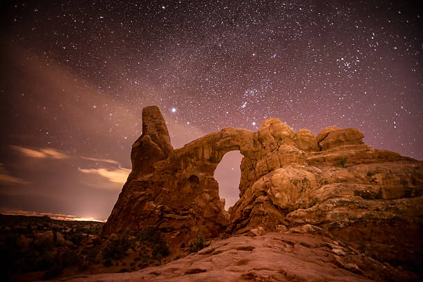 turret arch, arches national park - turret arch stockfoto's en -beelden