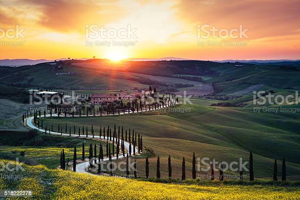 Tuscany landscape at sunset picture id518222278?b=1&k=6&m=518222278&s=612x612&h=hbjm3qxsfb3bxojfq3at8gymvk9ibmr7vr3 lkz0sfa=