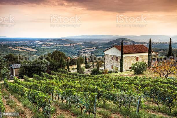 Tuscany landscape picture id108310113?b=1&k=6&m=108310113&s=612x612&h=rlugguqncyjqej3w4adsi3t35sprodcyemx6su3vrb0=