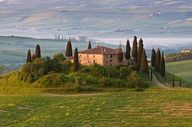 toskanische villa - ferienhaus toskana stock-fotos und bilder