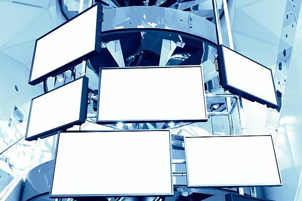 televisori lcd - telecomando background foto e immagini stock