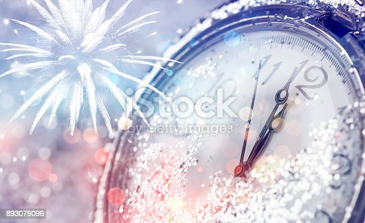 istock Twelve o'clock - new year's eve 893079096