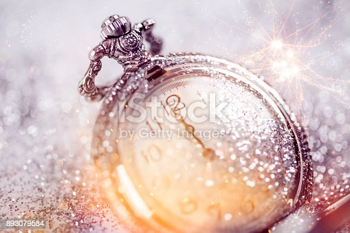 istock Twelve o'clock - new year's eve 893079584