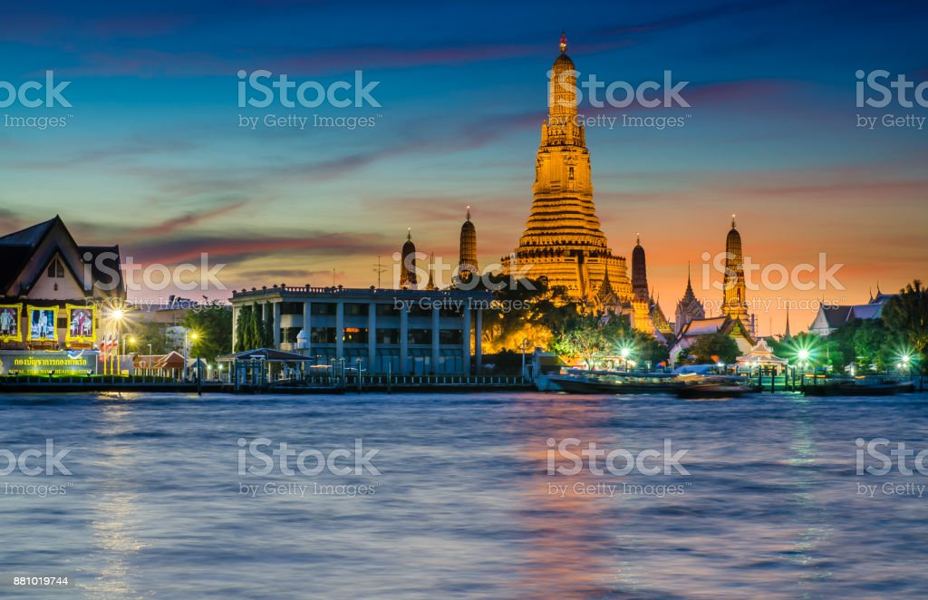 Twilight beautiful temple wat arun stock photo