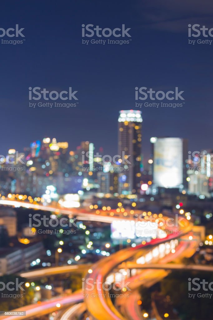 Twilight blurred bokeh city and highway intersection light foto de stock royalty-free