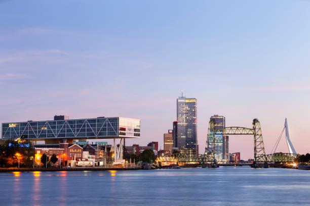 Twilight Cityscape van Rotterdam foto