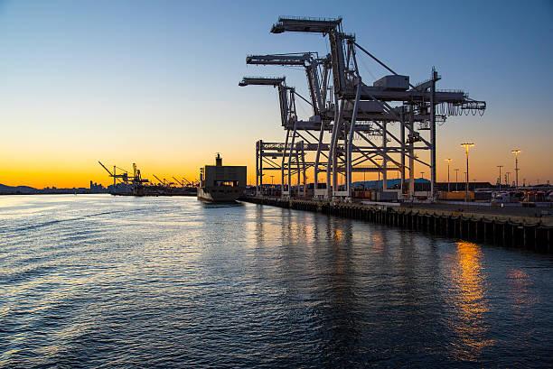 puerto de penumbra - oakland fotografías e imágenes de stock