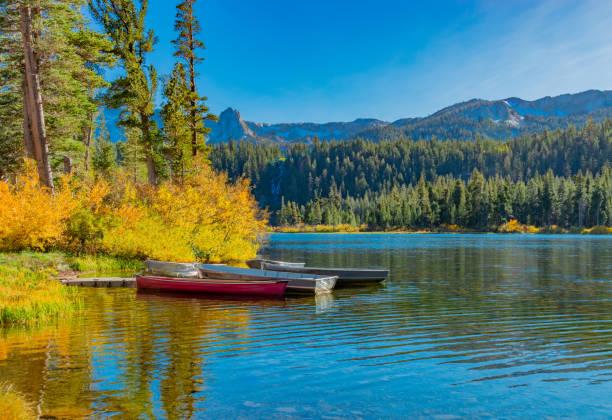 Twin Lakes und Schloss Fels in der kalifornischen Sierra Nevada in Mammoth Lakes, Kalifornien (P) – Foto