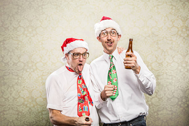 Zwei Betrunken goofy Weihnachten Krawatte mit Party Nerds – Foto