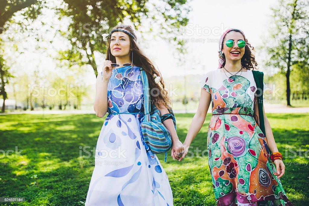 Deux belles filles bohème - Photo