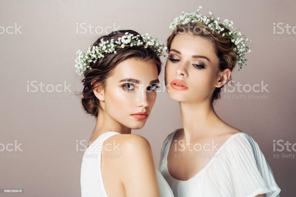 Two beautiful girls – zdjęcie