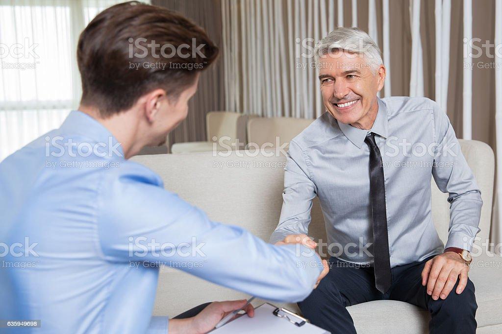 Two Business Partners Shaking Hands After Meeting Lizenzfreies stock-foto