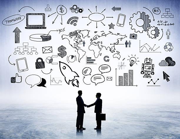 Zwei Geschäftsleute schütteln die Hand – Foto