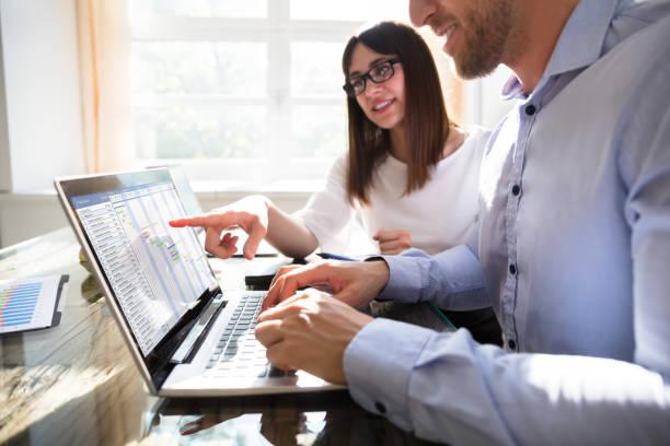 i̇ki girişimciler gantt grafiği analiz - timeline stok fotoğraflar ve resimler