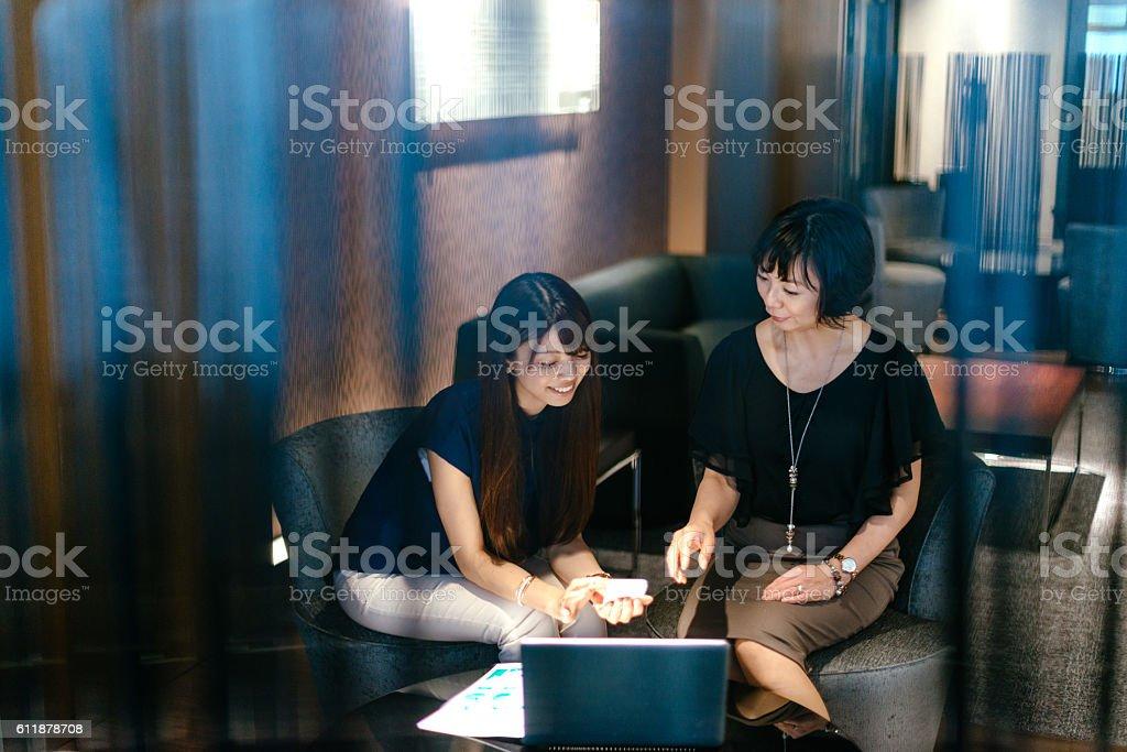 Two businesswomen in Japan – Foto