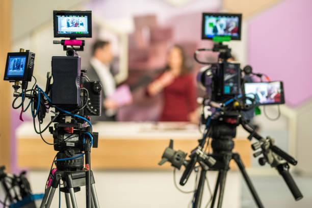 Zwei Kameras Filmen eine TV-show – Foto