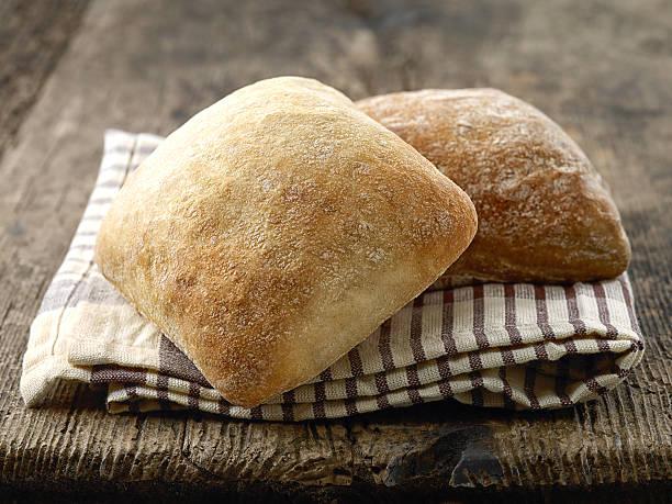 두 치아바타 빵 buns - 치아바타 빵 뉴스 사진 이미지