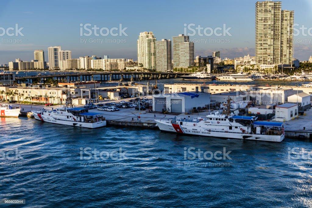 Twee boten van de Coast Guard in Miami - Royalty-free Baai Stockfoto