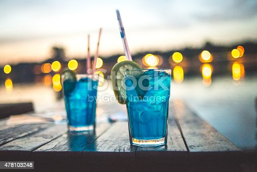 istock Two cocktail with lemon 478103248