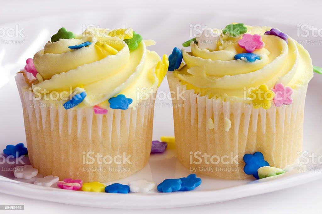 two cupcakes close-up royalty free stockfoto