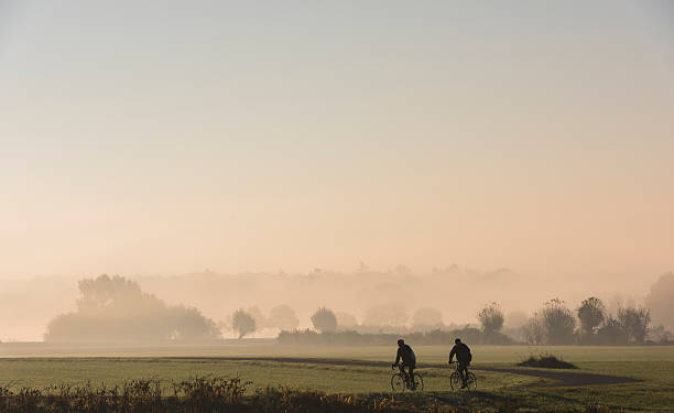 Two Cyclists in River Forelands​​​ foto