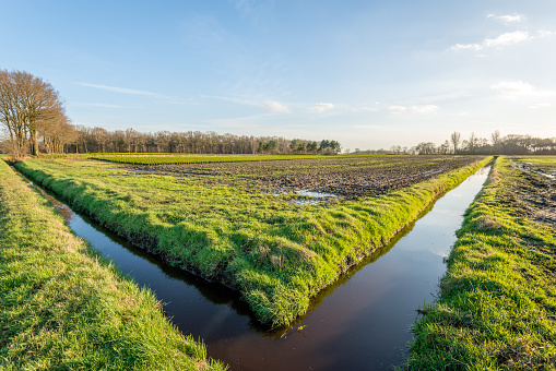 istock Two ditches in a perpendicular angle with each other 987563158