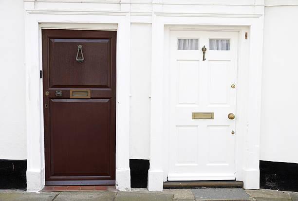 duas portas - standing out from the crowd (expressão inglesa) - fotografias e filmes do acervo