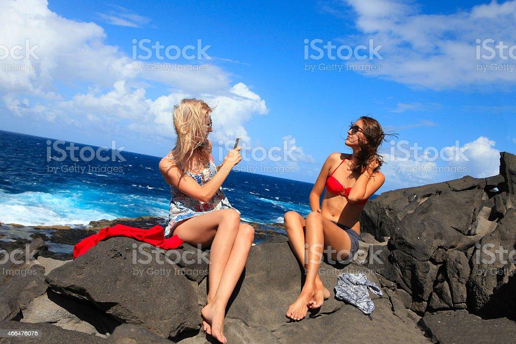 Zwei Mädchen am Strand, Foto ich – Foto