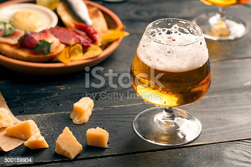 istock Two glasses of beer 500159904