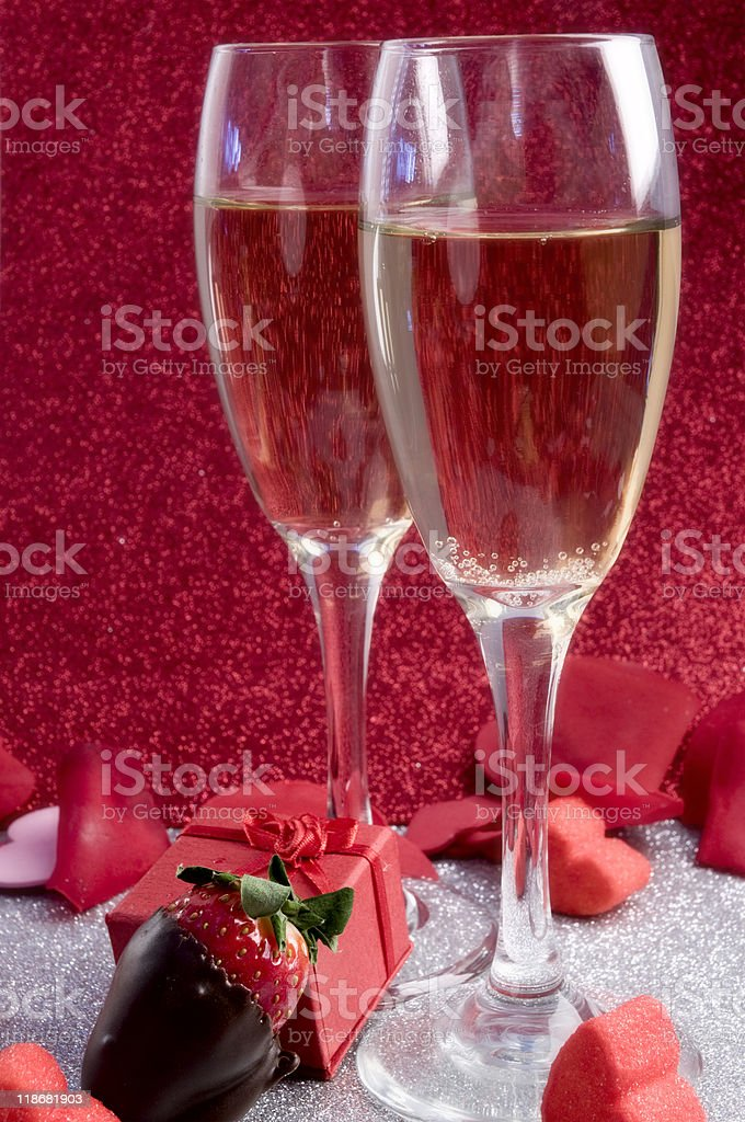 Two glasses of champagne in a romantic themed picture - Royalty-free Alcohol - Drink Stock Photo