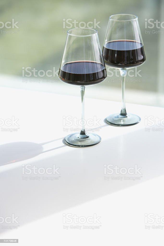 Dois copos de vinho tinto foto de stock royalty-free