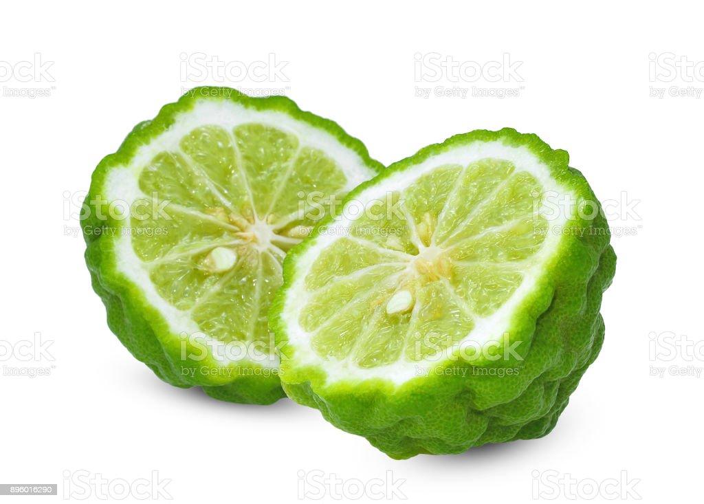 deux demi bergamote fraîche isolé sur fond blanc - Photo