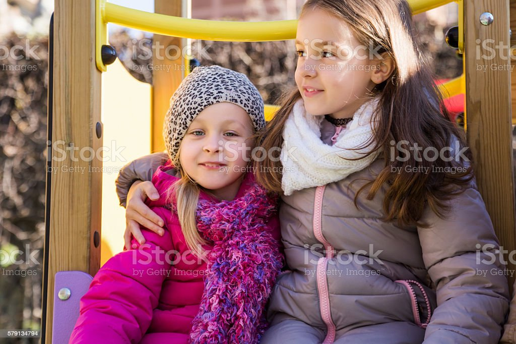 Two little girls at playground – Foto