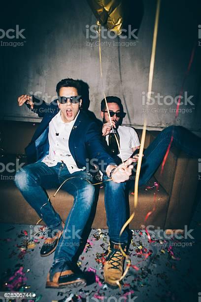 Two man at a party picture id628305744?b=1&k=6&m=628305744&s=612x612&h=xzedehvkk6 pqbtmgsocevjqnohl9pzteaiezuzhyey=